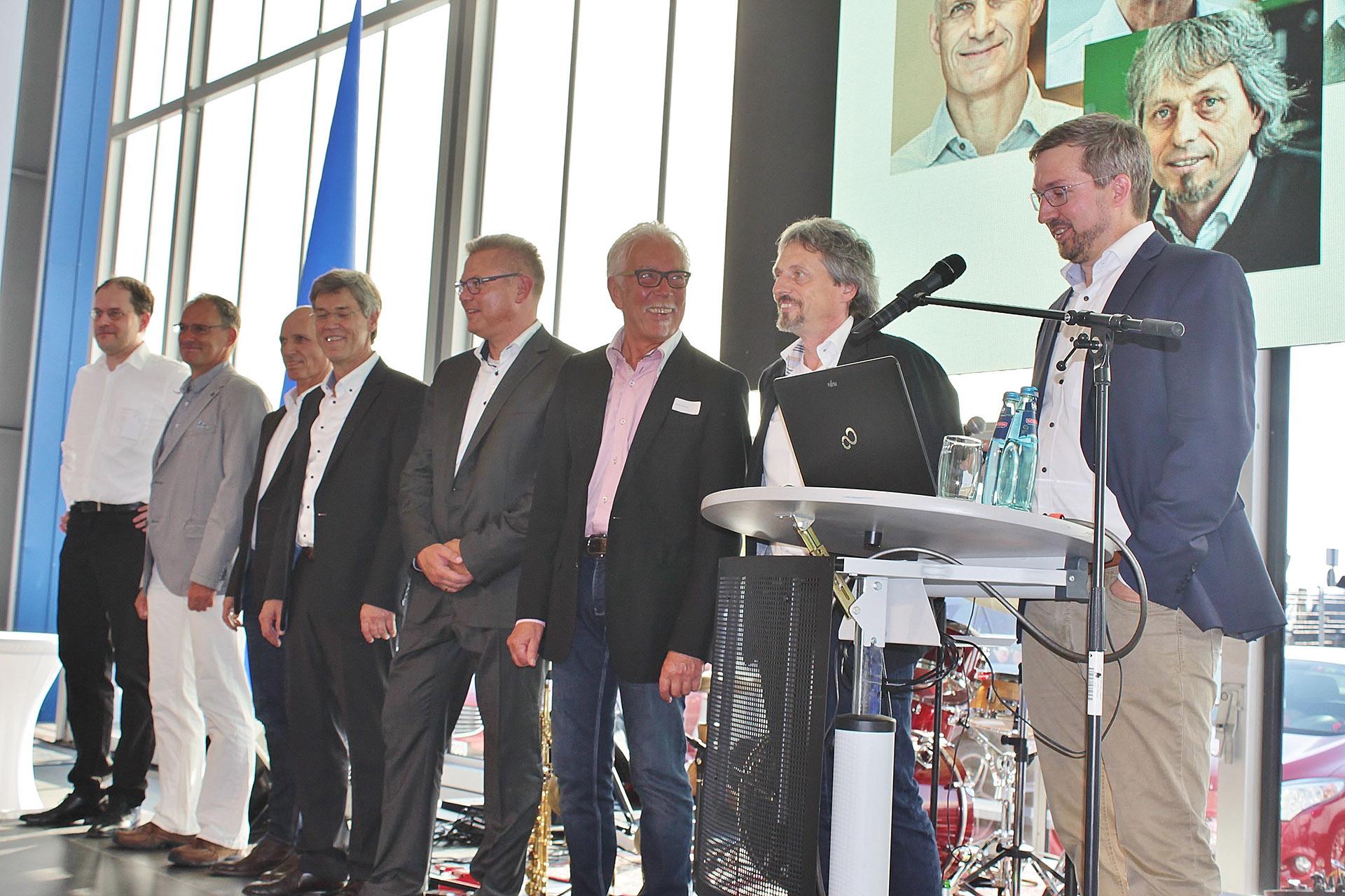Erweiterte Geschäftsführung Hochbau: Thomas Misiek und Hans-Martin Schmidt, Tiefbau: Dietmar Hagen und Axel Berger